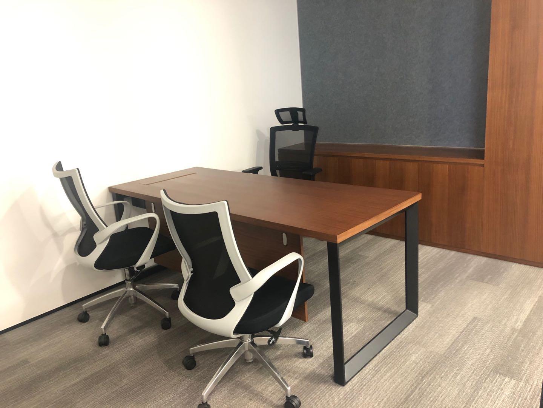 外滩金融中心BFC出租247平精装写字楼