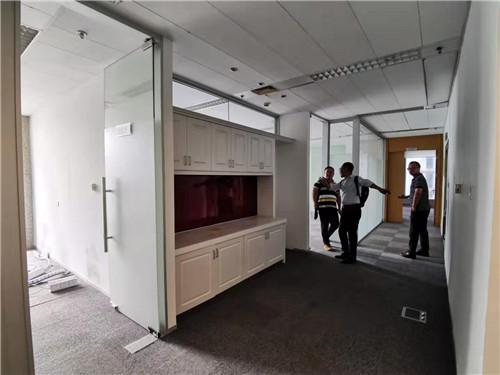 上海银行大厦出租312平带装修隔断写字楼