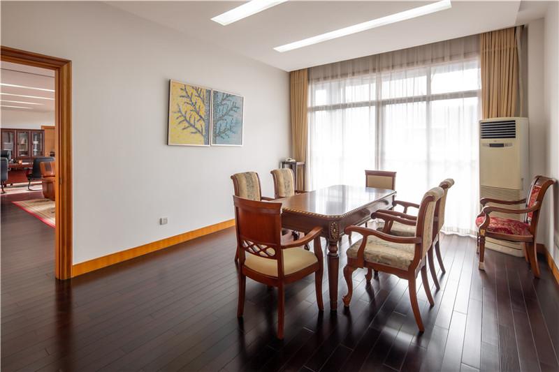 金桥经济技术开发区、104地块、研发办公用地、3400平独桩整租