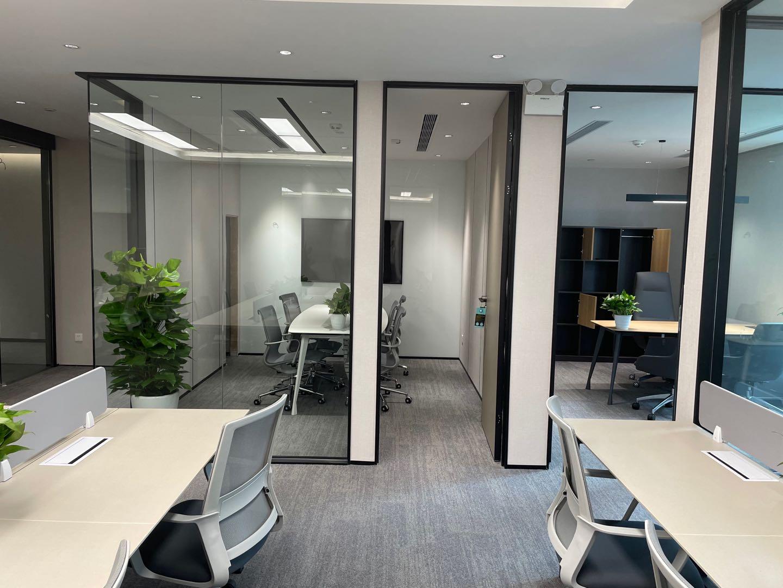 淮海国际广场精装修办公室113平和153平